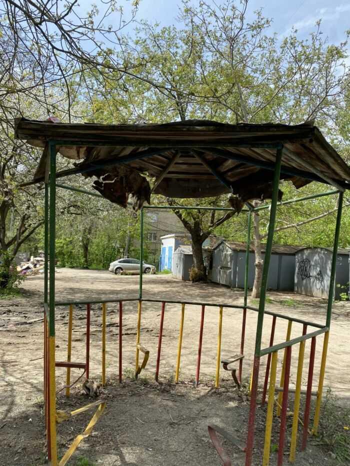 беседка на детской площадке