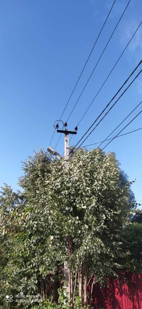 Столб со светильником в селе Горки
