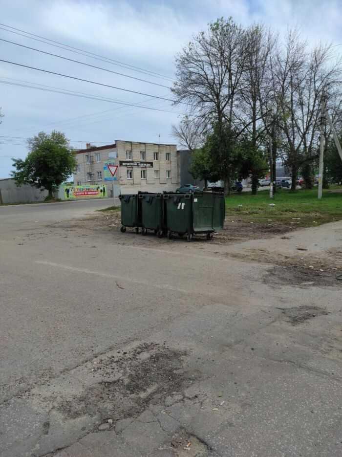 мусорные баки по адресу Елецкая 40
