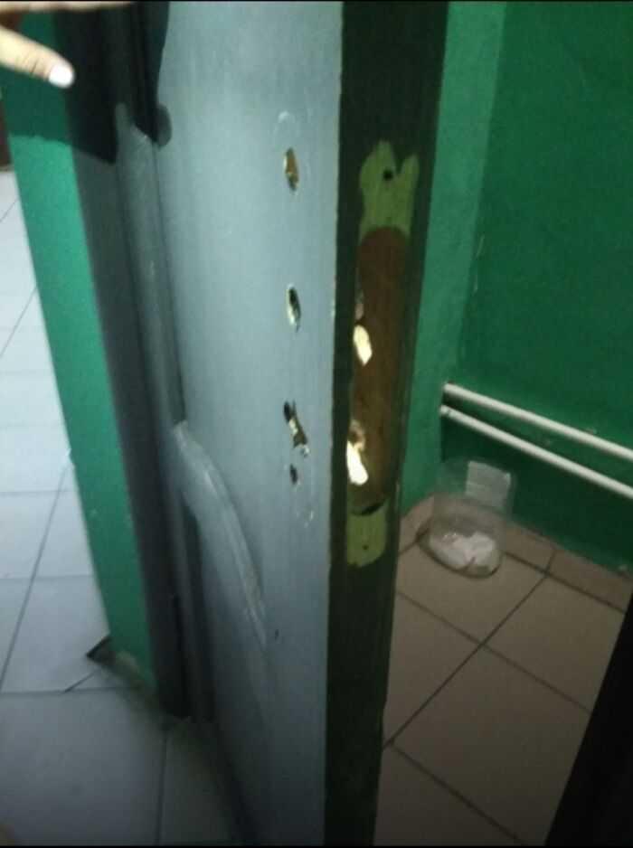 Двери в раздевалки